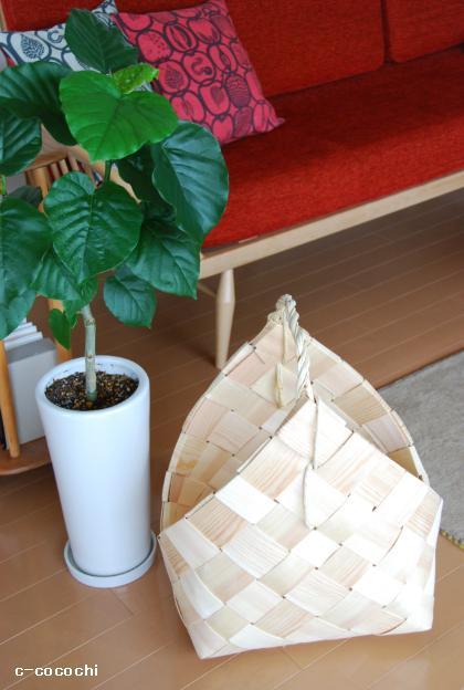 130528_フィンランドのモミの木バスケット02