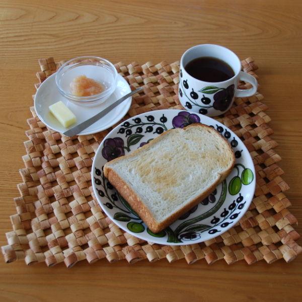 20140918_手作りリンゴジャムとトーストとバターナイフ01